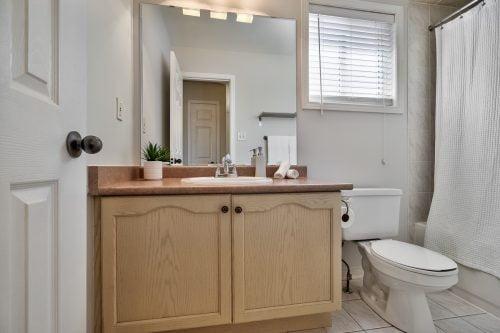 Main 4-Piece Bath